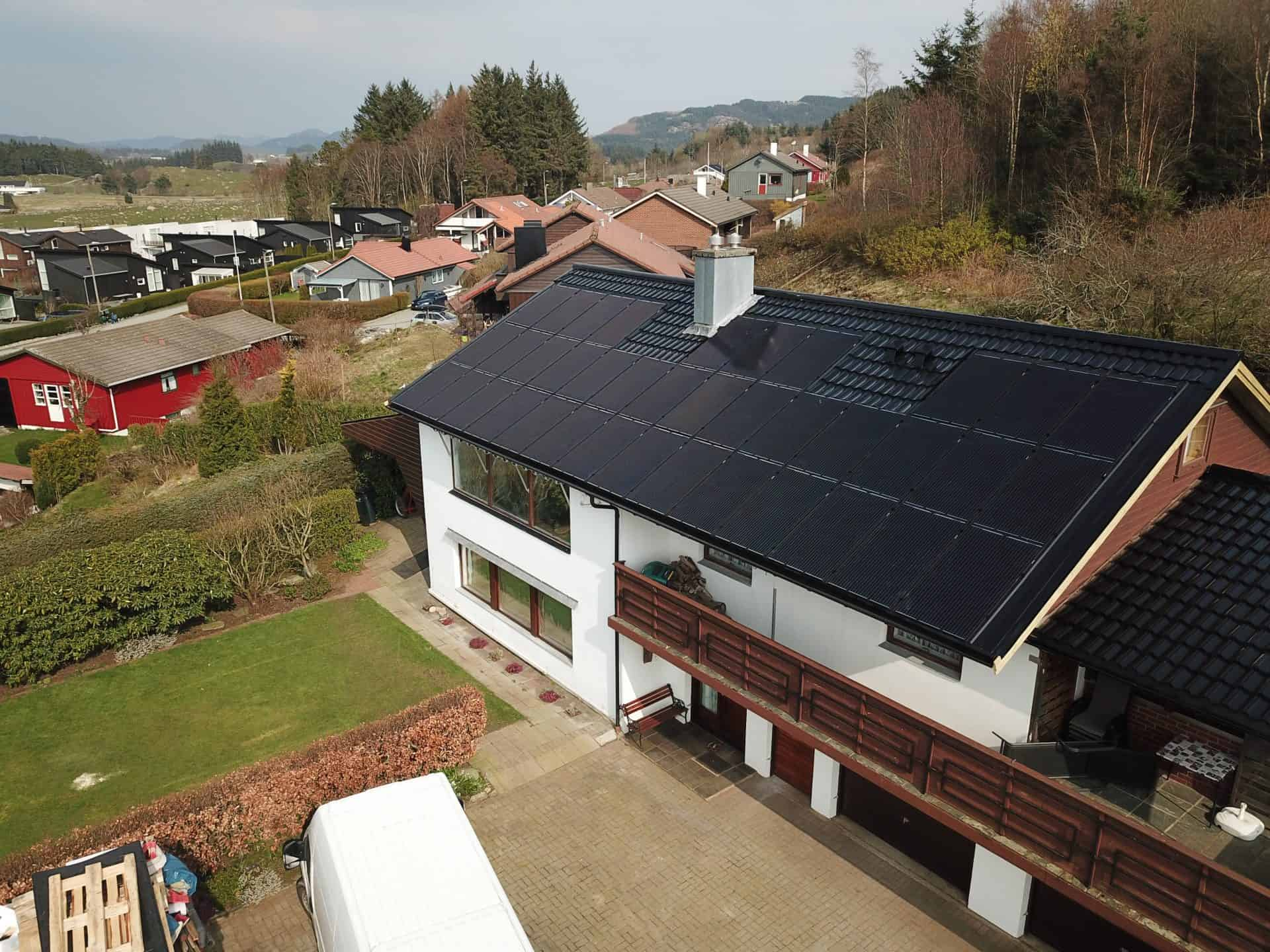 Integrert solcelleanlegg installert på privatbolig 11,2kWp